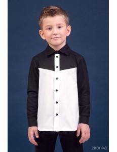 Сорочка белого цвета в контрасте с черным